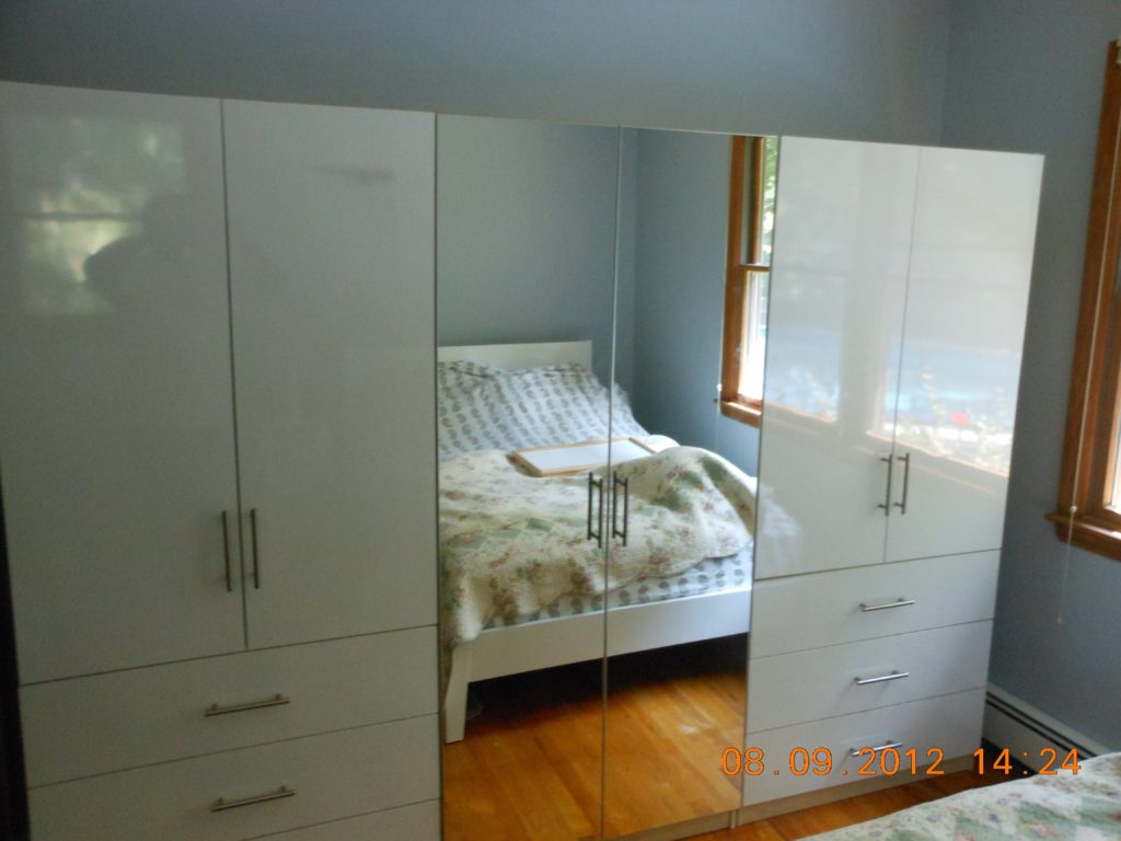 Etonnant Wardrobe Armoire In Mirrored And White Gloss