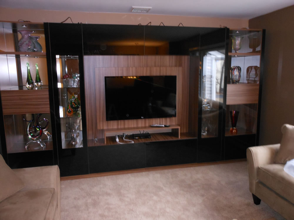 Black Glass Wall Unit Victor With Mounting Panel